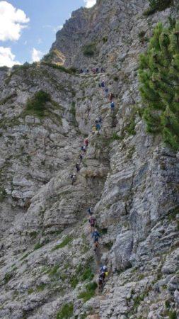 Anstehen im Salewa-Klettersteig