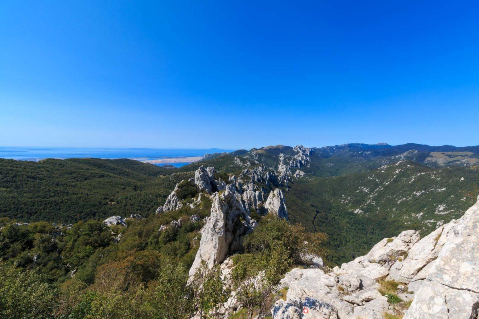 Blick von der Kiza auf Grat-Kette im Velebit