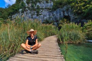 Holzsteg im Nationalpark Plitvicer Seen