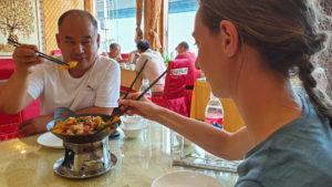 Essen mit Stäbchen lernen