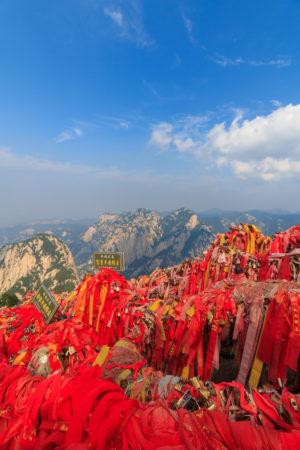 rote Bänder auf dem Hua Shan