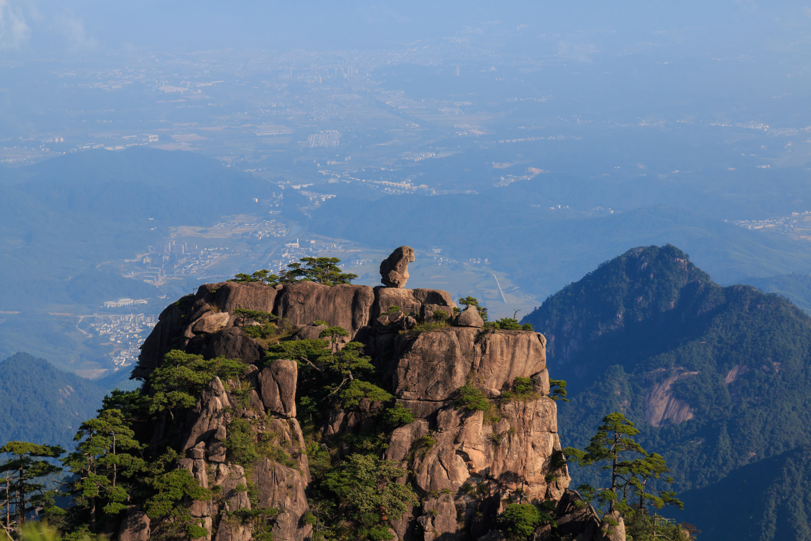 Stone Monkey Watching the Sea - Felsformation im Huang Shan beim Lions Peak