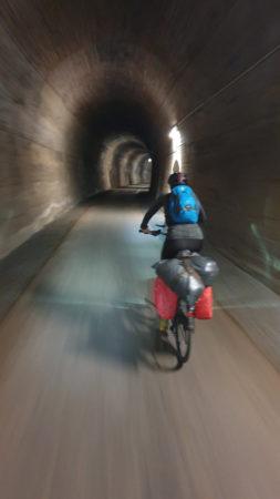 Venn-Eifel-Mosel-Radweg, Tunnel bei Neuerburg